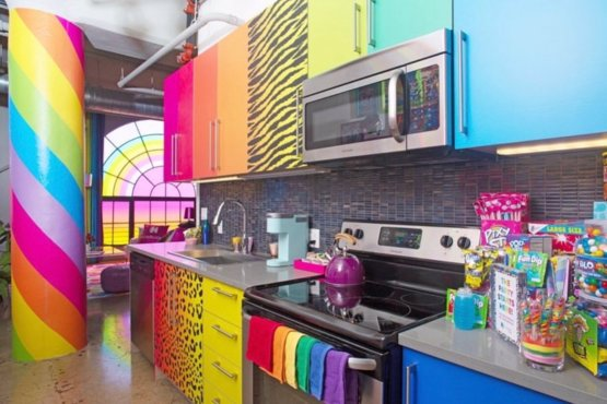 This #LisaFrank hotel is a childhood dream come true ????????????