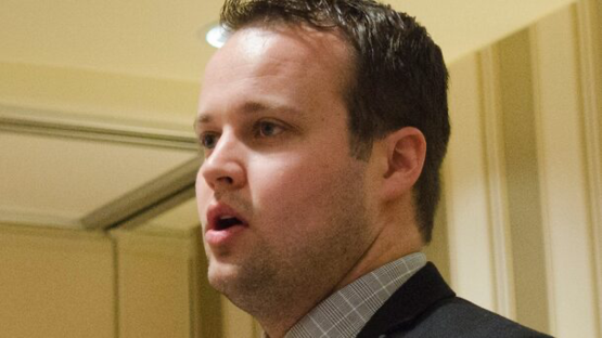 Homeland Security Goes to Josh Duggar's Office for Investigation via