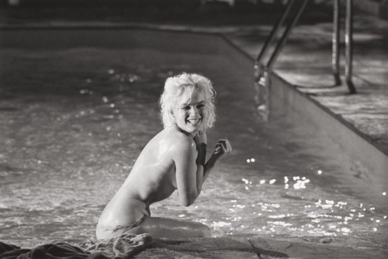 Marilyn Monroe on the set of Something's Got to Give, 1962. Photograph by Lawrence Schiller.