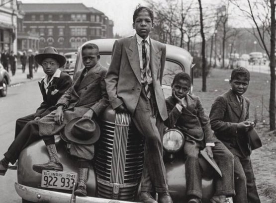 Kids hanging out, Chicago Illinois 1941
