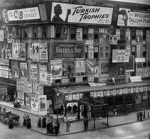 Times Square, 1909. Photograph by the Library of Congress.