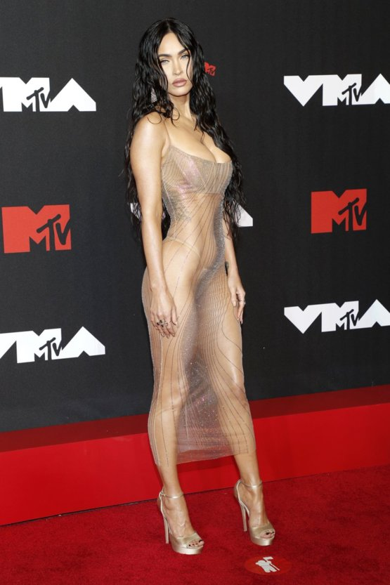 Back up, let's go back to Megan Fox. COME. ON. #VMAs